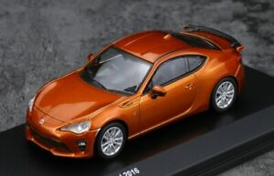 Toyota-86-GT-Limited-2016-escala-1-64-por-Kyosho