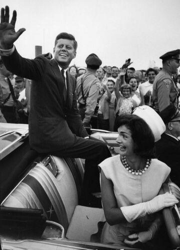 John F Kennedy 1960 Campaign PHOTO Jackie Convertible Car President JFK