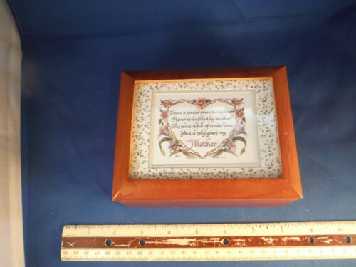 """Loving Mother Saying"" Wood Trinket Music Box"