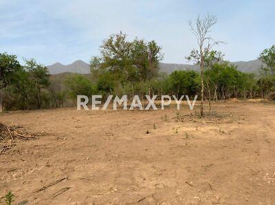 Terrenos en Venta en Huajuquito, Santiago. -7722