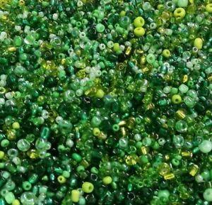 100g-Rocailles-Perlen-Glas-Gruen-toenen-Groesse-2-3-4-mm-Gemischt-Schmuck-Z7-100g