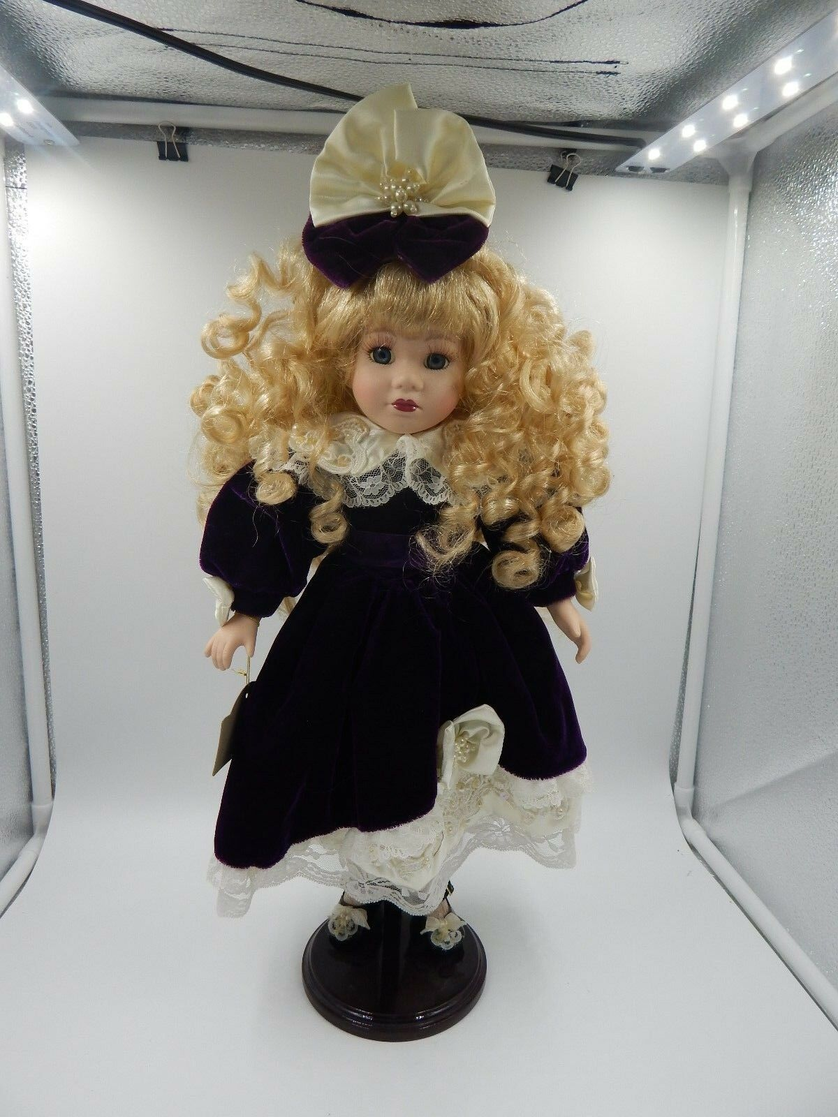 Melissa Jane Victorian Collection Porcelain Doll 17