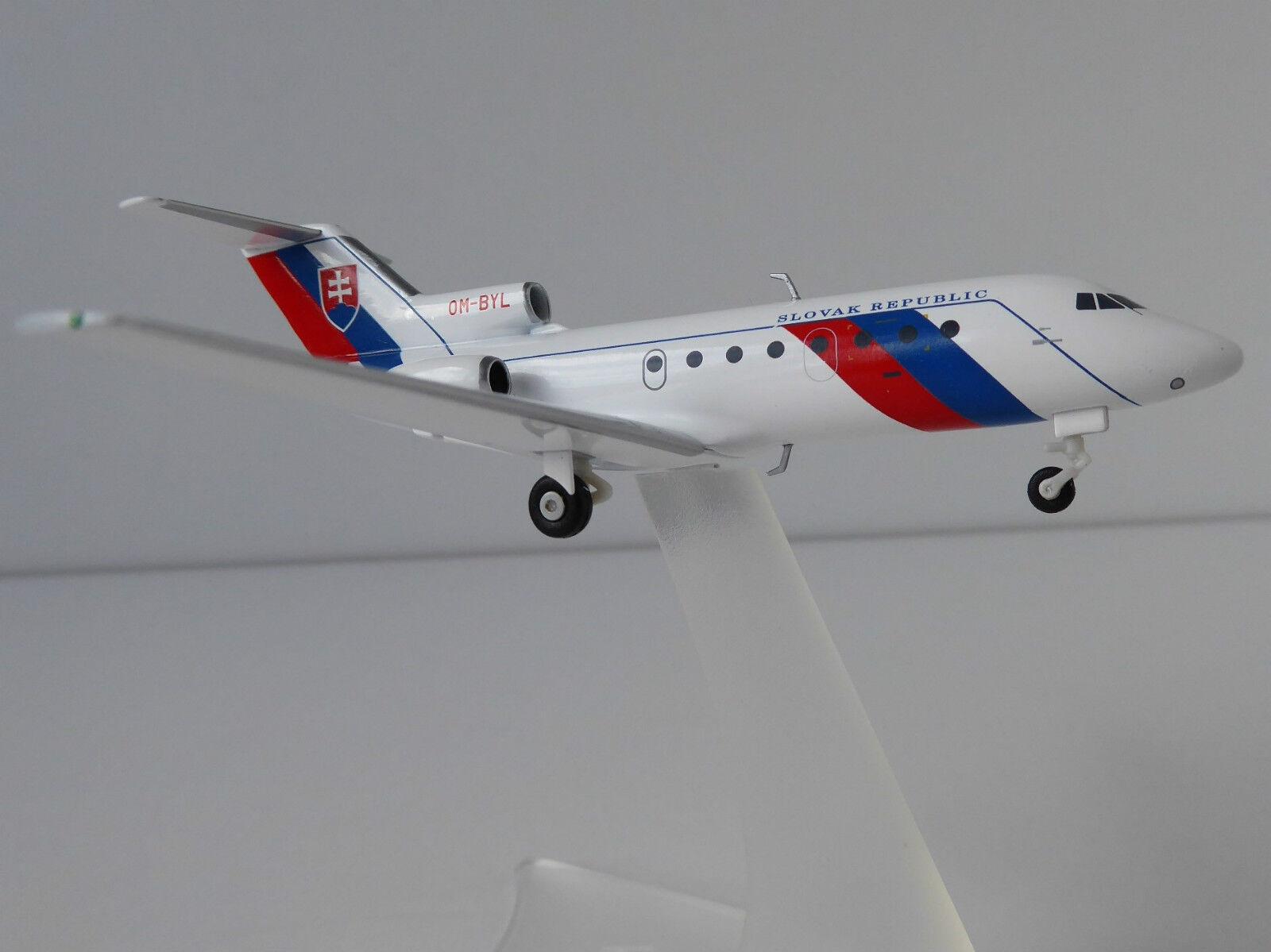 Yakovlev Yak-40 Slovak República 1 200 Herpa 557733 Yakovlev Jak-40 Gobierno