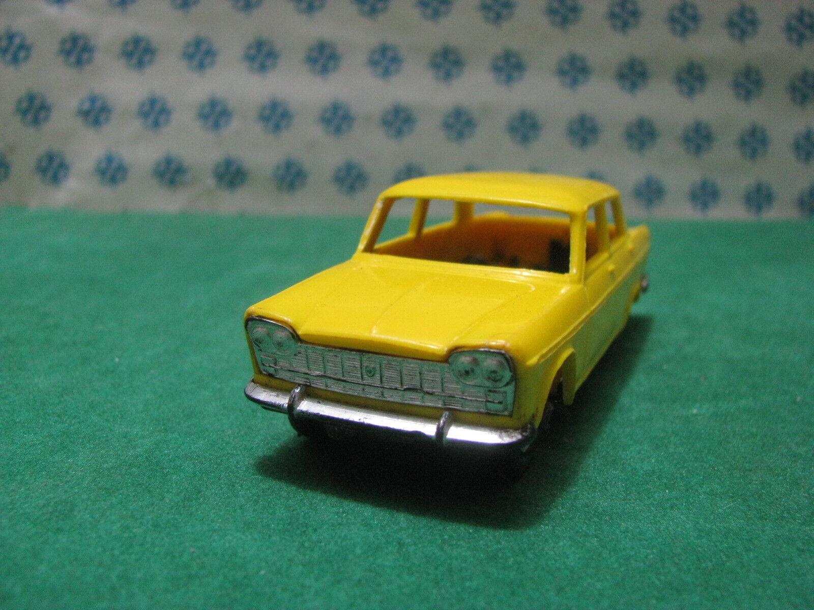 Ancien Norev n°38 - Fiat 2300 Belina - Ech. 1 43