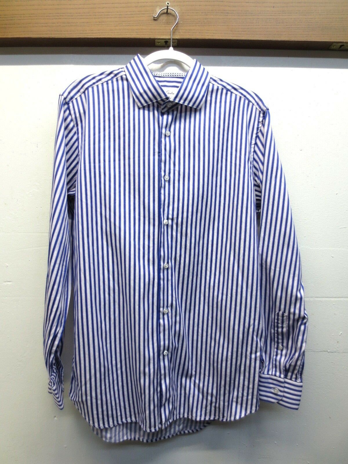 EUC Mens Robert Graham Dress Shirt bluee Pink White Striped Textured Size 16.5 42