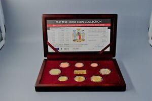 MALTE 2008 : coffret BU n° 24516 - 1 cent à 2 euro + lingot plaqué or .