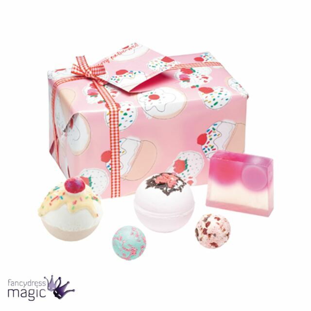 BOMB COSMETICS CHERRY BATHE-WELL GIFT WRAPPED PAMPER NATURAL HANDMADE BATH SET
