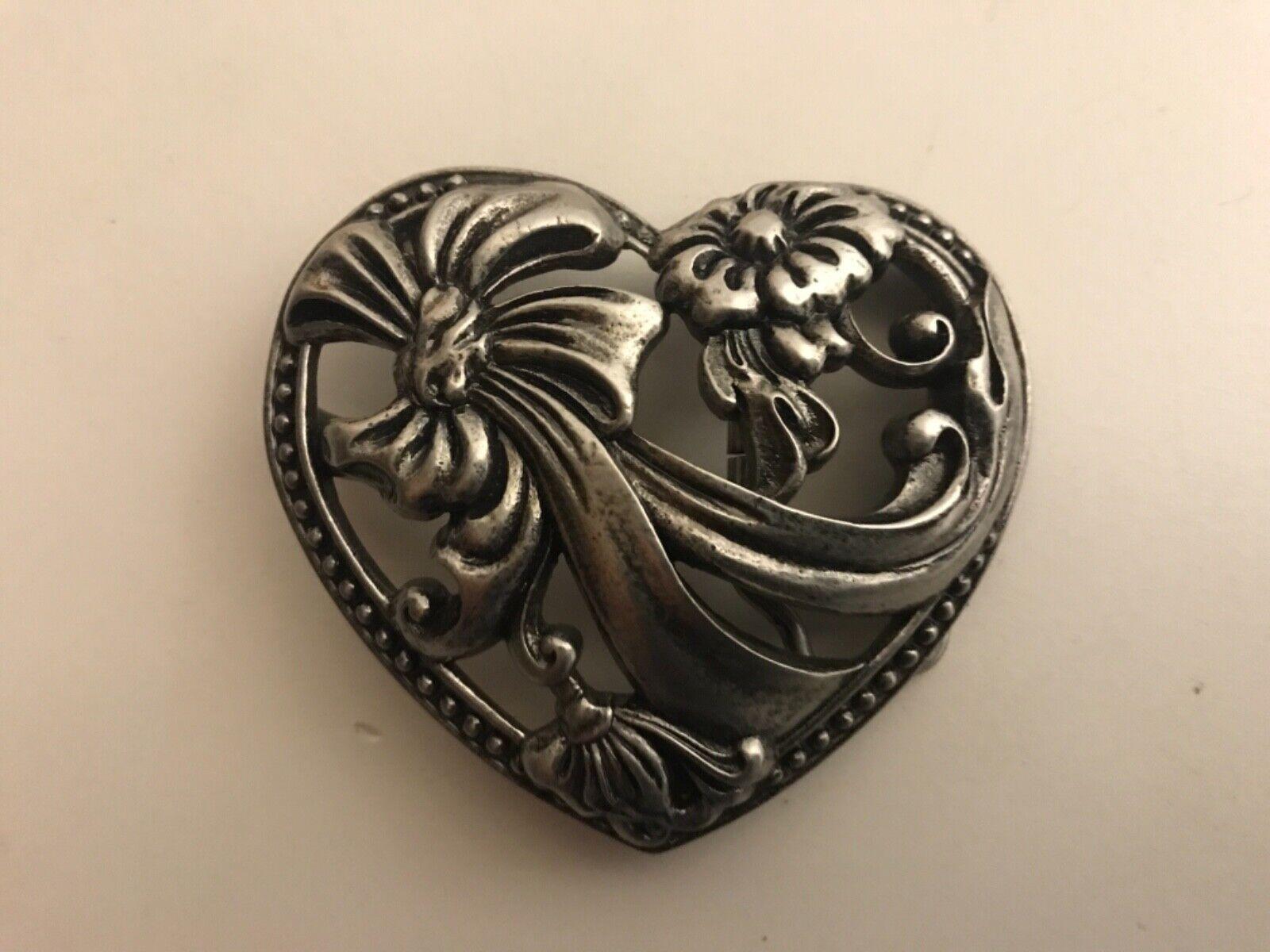 "Women's heart and flowers filigree belt buckle.Antique nickel plaited.1.5""/ 38mm"