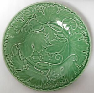 BORDALLO-PINHEIRO-MAJOLICA-POTTERY-GREEN-LEAF-VINE-8-034-LUNCH-SALAD-PLATE-EUC