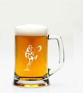RUGBY-PLAYER-MOTIF-1PT-GLASS-TANKARD