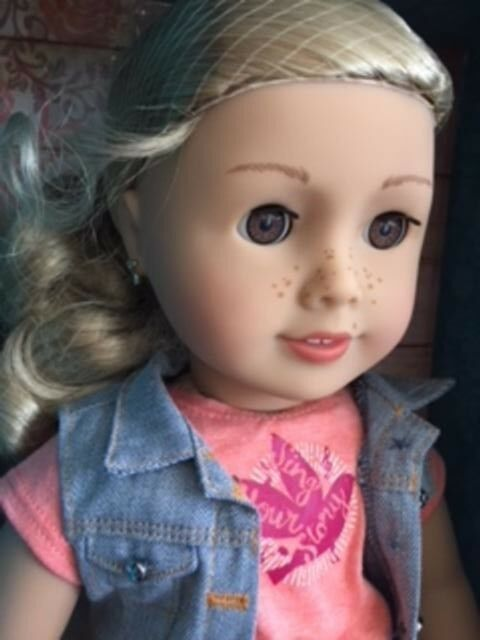 American Girl Tenney Doll with Pierced Ears & Book + Free AG Catalogue & Express
