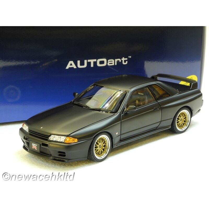 NISSAN SKYLINE GT-R  R32  V-SPEC II TUNED VERSION AUTOart MODEL 1/18  77418