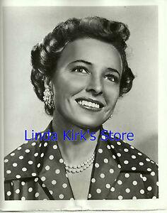 Laraine-Day-Promotional-Photograph-034-The-Laraine-Day-Show-034-ABC-TV-1951