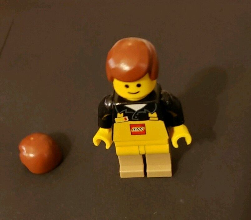 LEGO Store Employee Minifigure - Rare.  Employees only w  extra hair