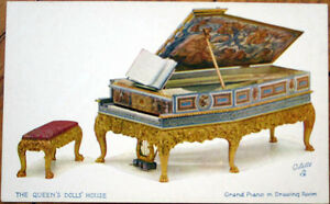 1910-Tuck-039-Queen-039-s-Dollhouse-039-Postcard-Doll-Furniture-Grand-Piano-Drawing-Room