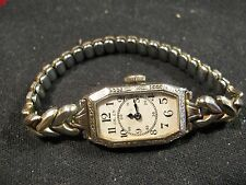 1920's GRUEN GUILD 14K Yellow Extra Gold Filled Ladies Wrist Watch 15j Swiss