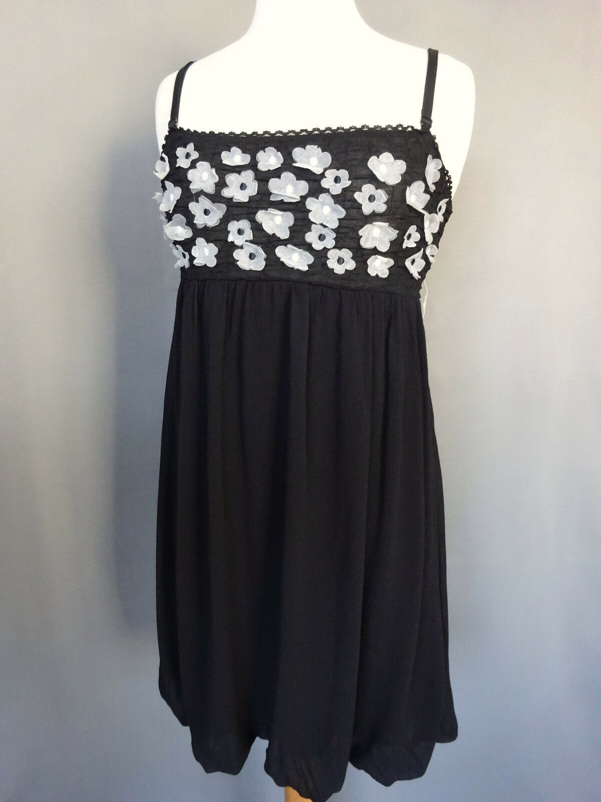 Beautiful Dress short Rinascimento Made in  Size S FR38 US6 UK10