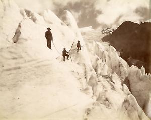 France-Mont-Blanc-Glacier-des-Bossons-ascension-de-la-pyramide-de-glace-Vint