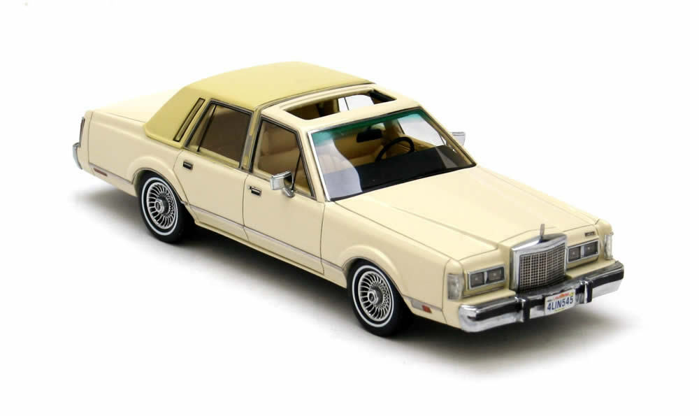 Lincoln Towncar  Beige  1986 (NEO 1 43   43545)