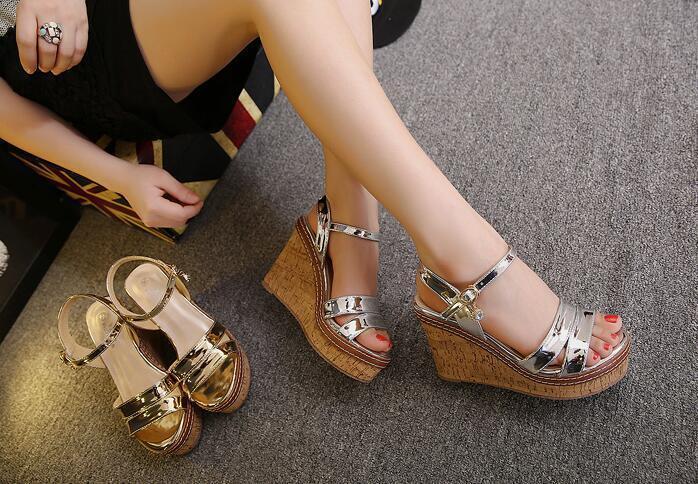 Chaussures Chaussons Sabot Sandales Talon Compensé 10.5 cm or,argent Élégant