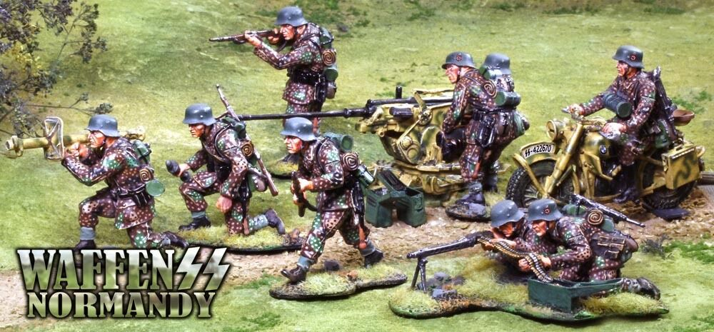 COLLECTORS SHOWCASE WW2 GERMAN NORMANDY WAFFEN SET MIB