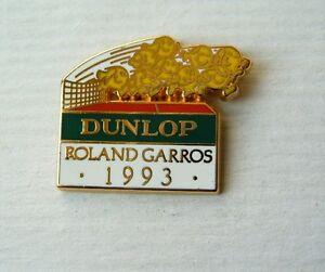 sport pin badge tennis roland garros 1993 paris france dunlop sponsor bertrand ebay. Black Bedroom Furniture Sets. Home Design Ideas