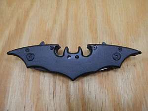 Batman-Knife-DUAL-BLADES-Folding-Blade-Spring-Assisted-11-034-NEW-STYLE-NICE