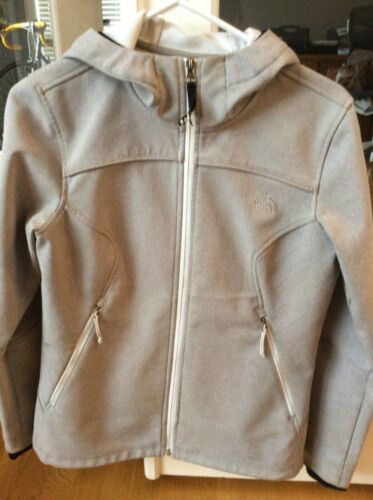 Womens North Face fitted, light weight jacket, siz