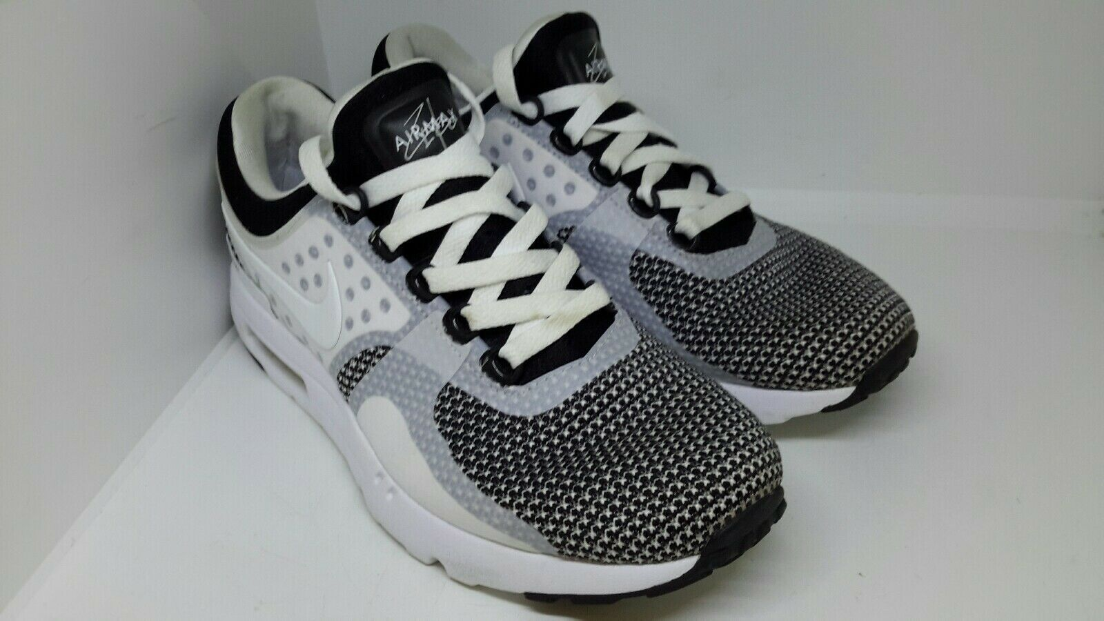 Nike AIR MAX ZERO ESSENZIALE Da Uomo Sz 7 EU41 US8 Nero Bianco Grigio Oreo 876070 005