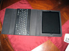 Near Mint Apple iPad 2 2nd Generation 32GB Wi-Fi + 3G GSM/Keyboard/Cover/cords