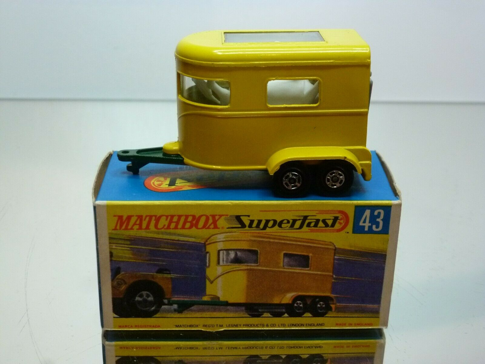 MATCHBOX SUPERFAST 43 PONY TRAILER + HORSES - jaune - VERY GOOD IN BOX