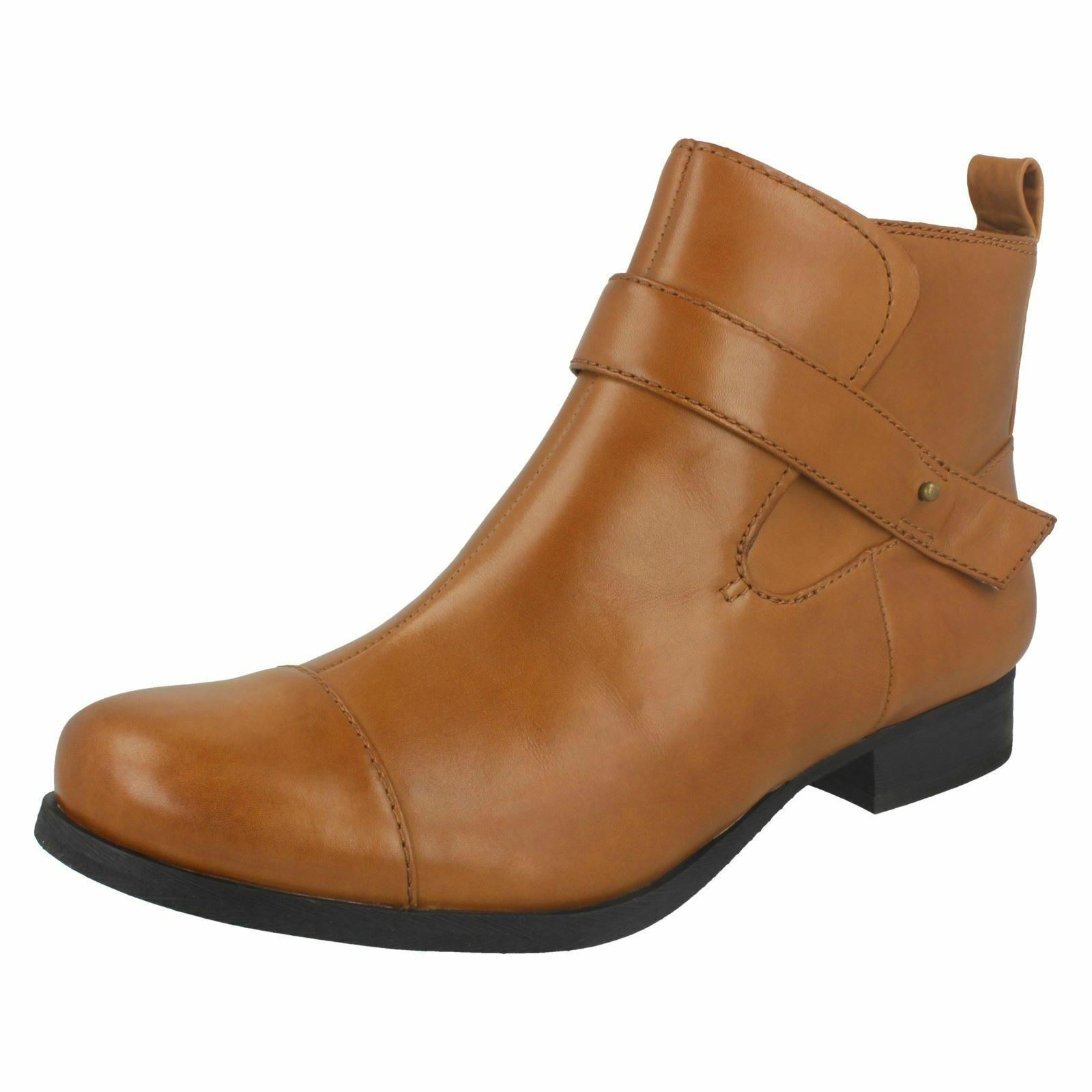 Signore Clarks Ladbroke Magic Dark Tan Stivaletti in Pelle raccordo D