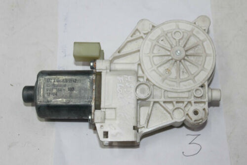 Mercedes Sprinter W906 2006-2016 Front Right Window Regulator Motor A0068205542