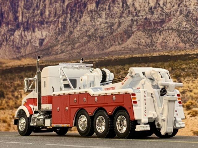 1//64 DCP WHITE KENWORTH T800 TRI-AXLE W// CENTURY 9055 WRECKER