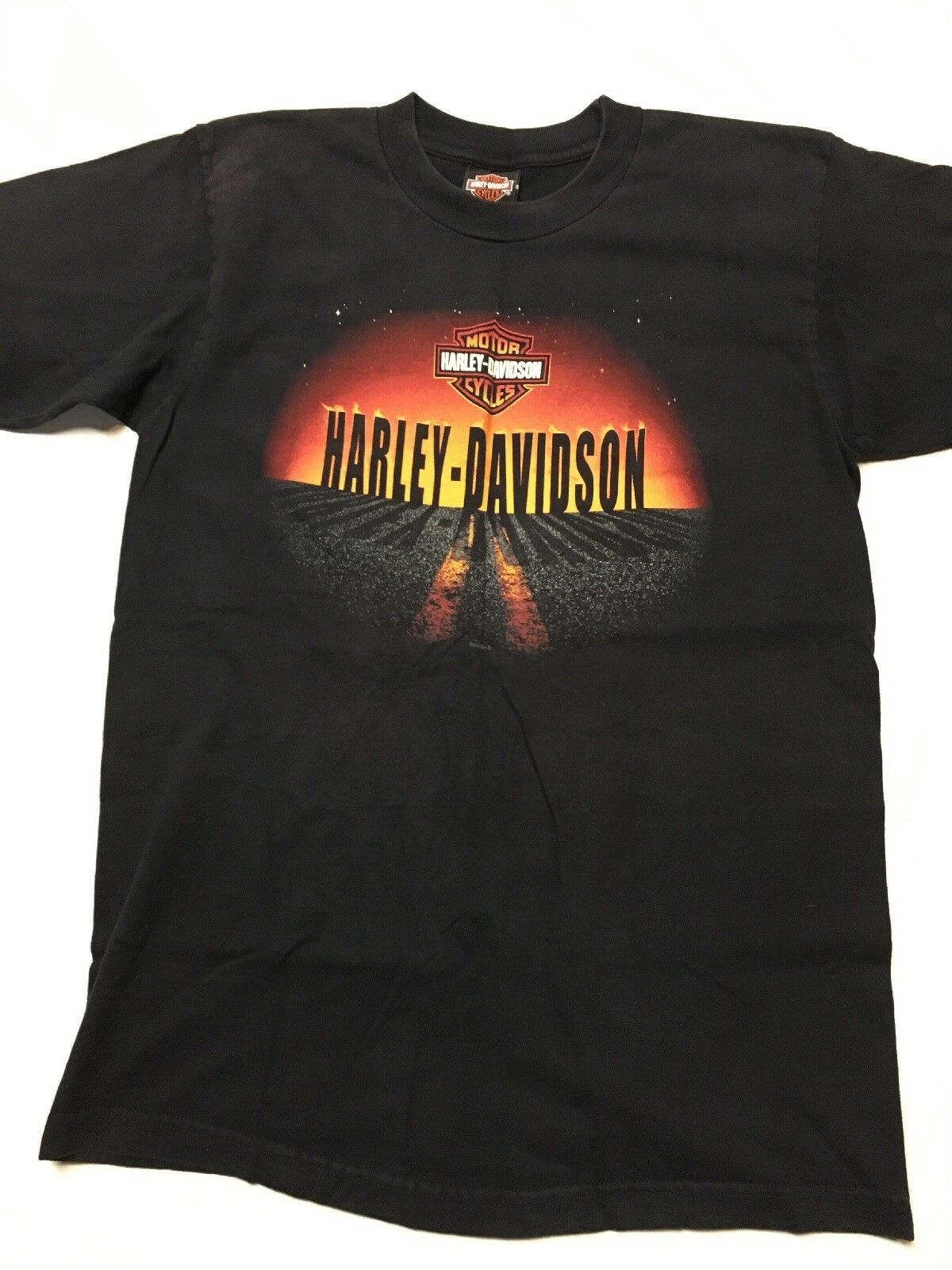 Lot of 4 Harley davidson T-shirts Large motorcycles Harley shirts