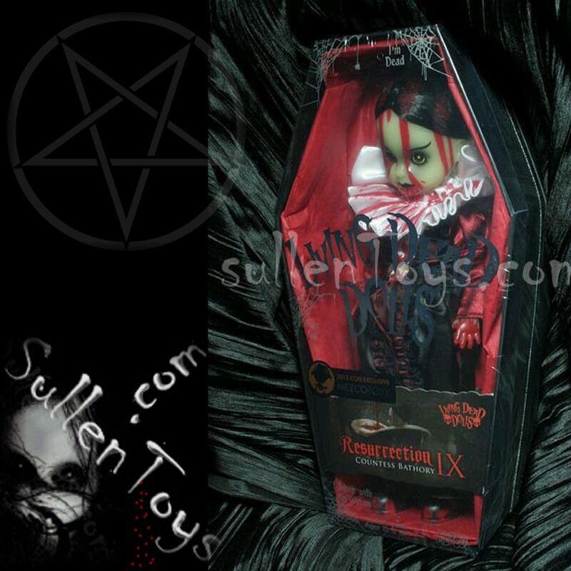 Living Dead Dolls resurrección Bathory variante brilla 50 GITD Infierno noche res 9