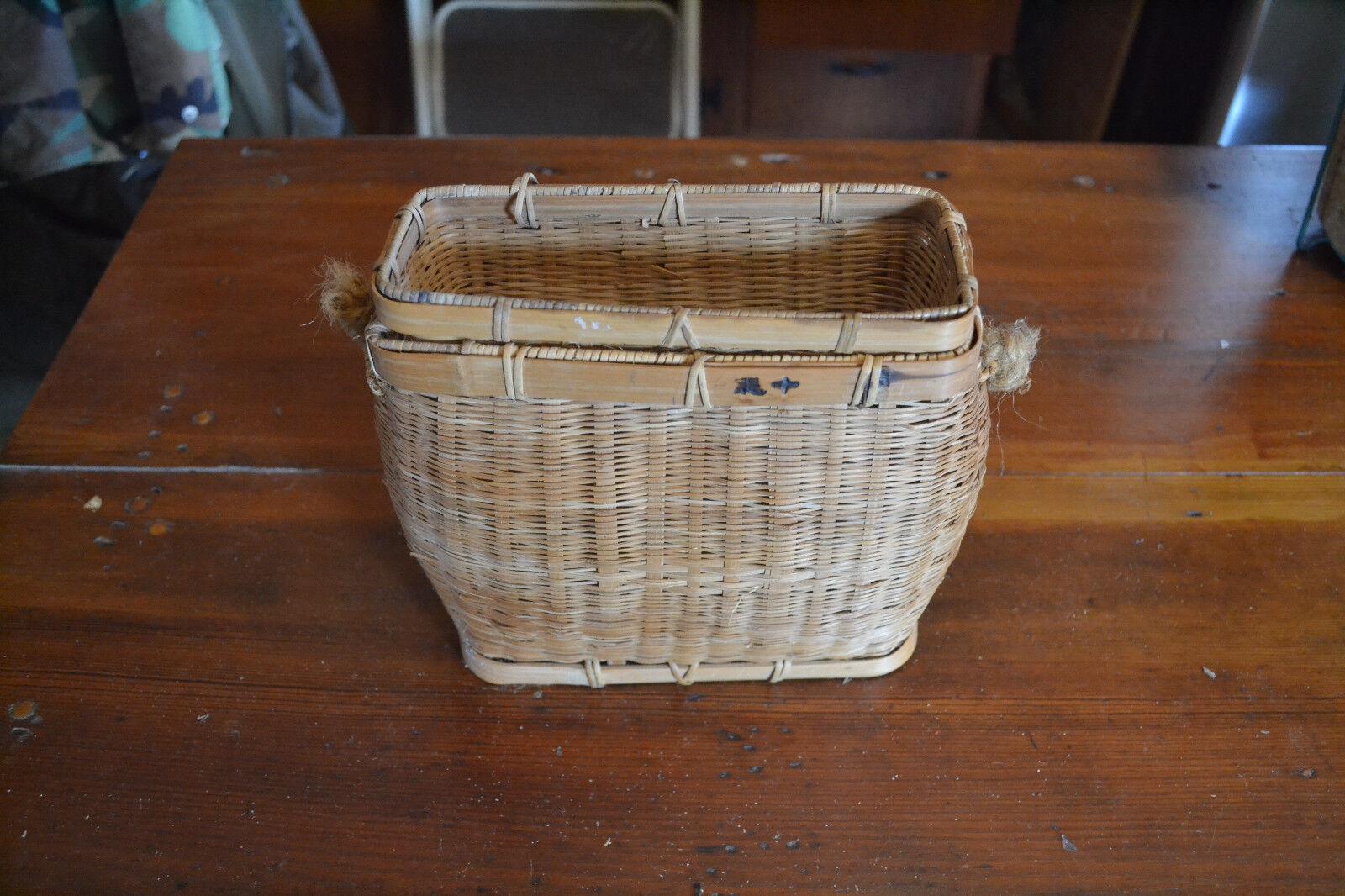 Vintage fishing creel  basket Hand made Great Shape