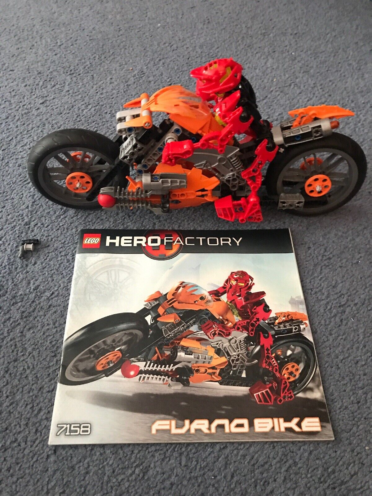 LEGO Hero Factory Furno Bike (7158) 100% completare  With Instructions 2010  in vendita online