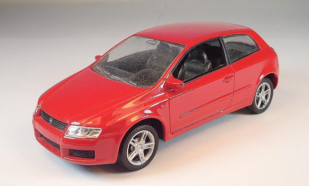 Norev 1 43 Fiat Stilo Stilo Stilo Sedán rojo  1743 db00a1
