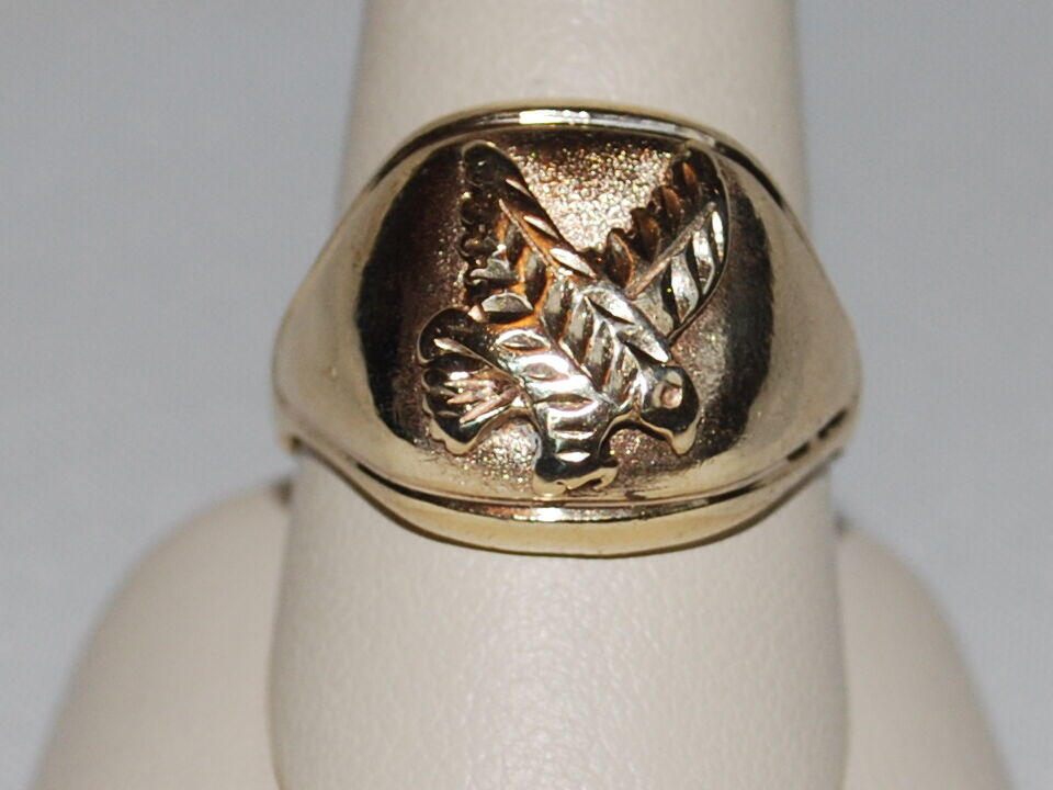 10K gold ring with an Eagle design