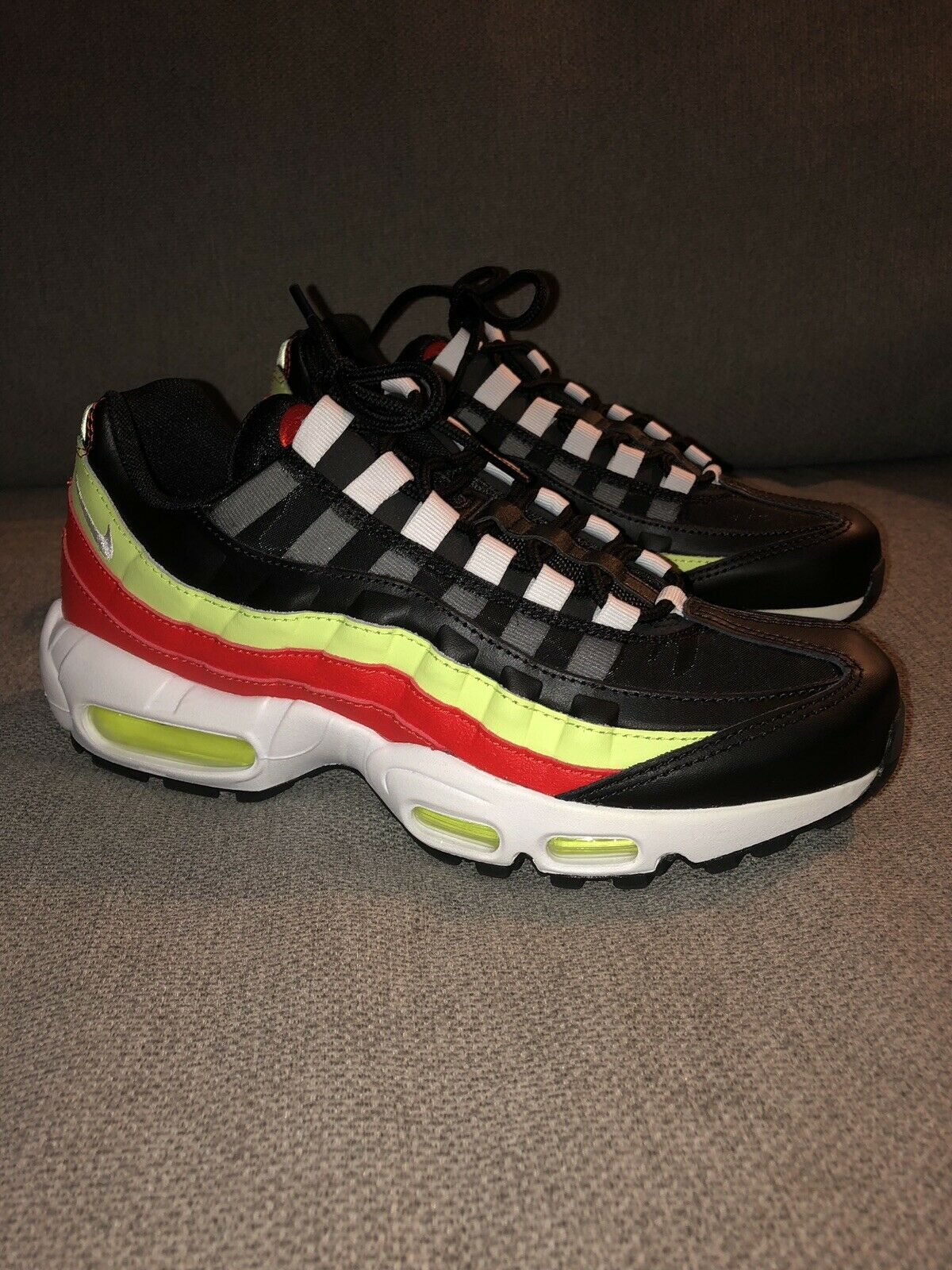 Nike Women's Air Max 95 Black Red Volt 307960-019 Size 8.5