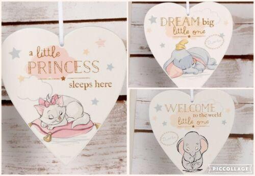 Disney Coeur Nursery Décoration Suspendu Plaque Marie Dumbo Nouveau Bébé Boîte Cadeau