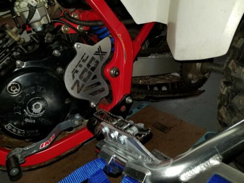 Chain Guide 86-87 HONDA ATC 200x Engine Sprocket Cover /& Case Saver