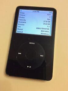apple ipod classic black 30gb 5th generation mp3 music. Black Bedroom Furniture Sets. Home Design Ideas