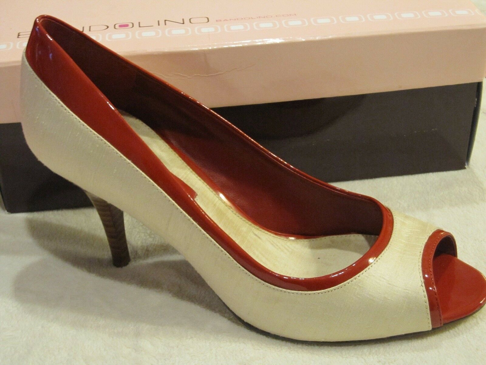 Bandolino GORDONA Ivory Silken Linen Open-toe Pump w/ROT Patent Trim, 8M - 99