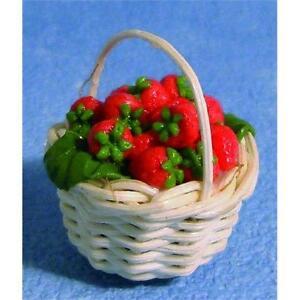 Strawberrys-en-una-cesta-Ideal-para-las-hadas-o-Casa-de-Munecas-12th-Scale-Miniatures