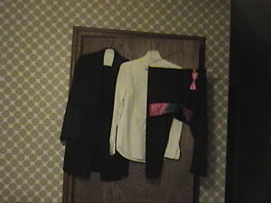 Lot-of-5-Tuxedo-Formal-Event-Party-Outfit-Jacket-Pants-Shirt-and-2-BowTies