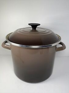 LE CREUSET Enameled Steel Stock Pot with Lid Brown Color 6 Qt Capacity