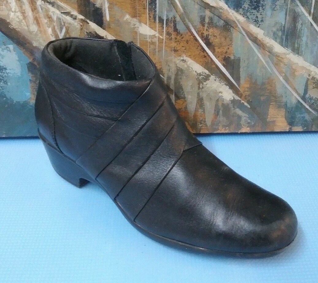 Clarks Black Leather Ankle Boots 10 M