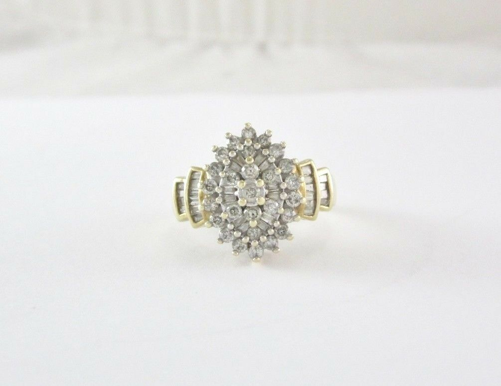 10K YELLOW gold DIAMOND CLUSTER STYLE RING 4.6 GRAMS